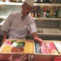 お寿司とオレンジワイ…