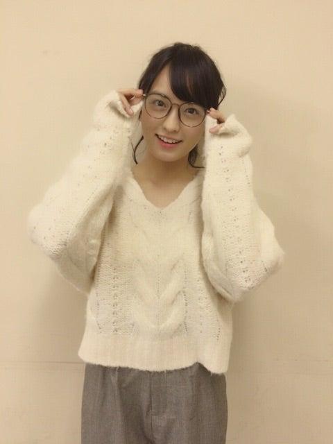 眼鏡をかけた清井咲希