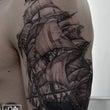 船のブラック&グレー…