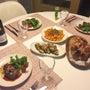 ステーキとアルパカ赤…