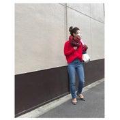 titivateの赤ニットとUNIQLOシガレットジーンズのプチプラコーデ