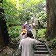 法事で登る山寺
