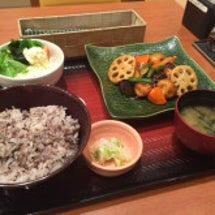 大戸屋(定食、食堂)