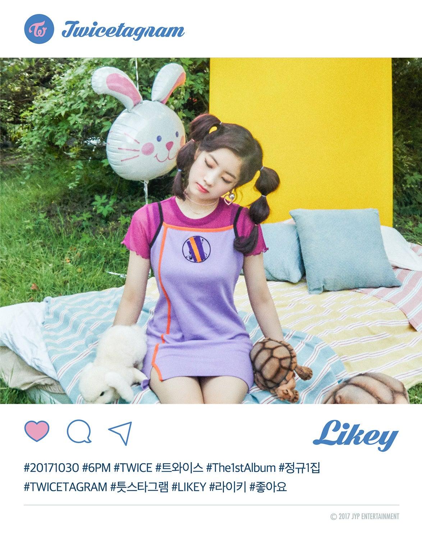 ダヒョン、チェヨン、ツウィ)らが10月30日にリリースする1stフルアルバム/正規1アルバム正規1集『twicetagram 』ティザー写真が10月24日に公開されています。