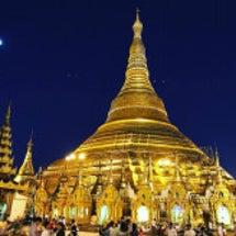 ヤンゴンの街に燦然と…