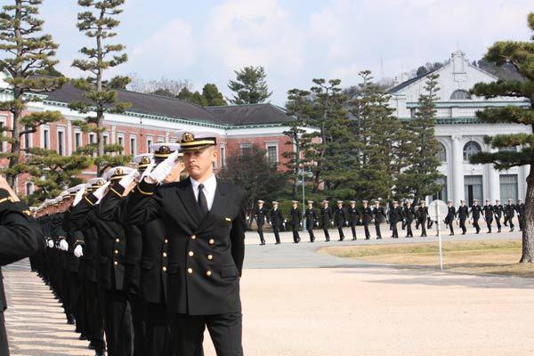 海上自衛隊幹部候補生の一日   ...