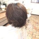 広がる髪質のカットデザインの記事より