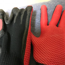カインズの手袋。