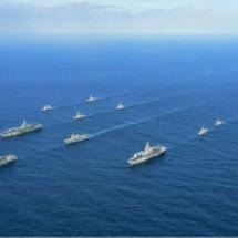 海自  米空母3隻と…