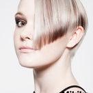 ハサミ一つで散髪を芸術(アート)にし、女性を解放!(1)の記事より