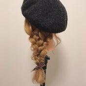 三つ編みが可愛い❤️『ベレー帽×編み下ろしアレンジ♪』