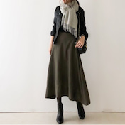 【coordinate】ラインがきれいなサイドヘムスカートで落ち着きコーデ