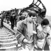 上海列車事故 双方…