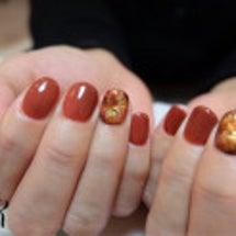 紅葉ネイルと秋カラー…