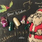 メタルカラーネイルを使ってクリスマスネイル