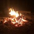 夜はキャンプファイヤ…