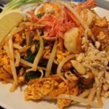タイ料理ランチでパッ…