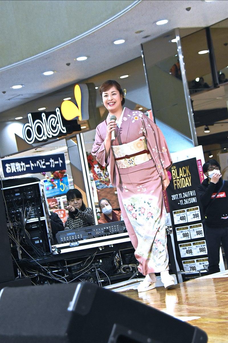 瀬口侑希「雪舞い岬」in おおとりウイングス|北浜歌謡写真館