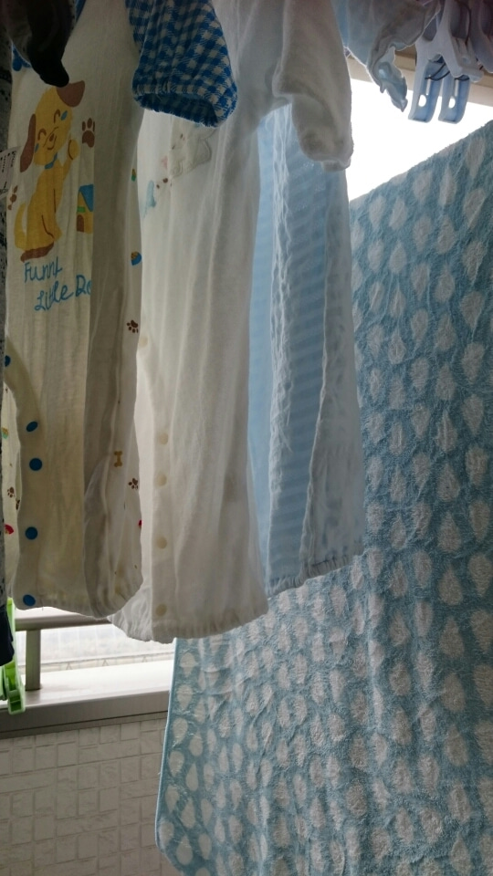 0217c499f201d パパの作業着の洗濯は別に回すので、そのあとに洗濯機を掃除してから普通の洗濯を…
