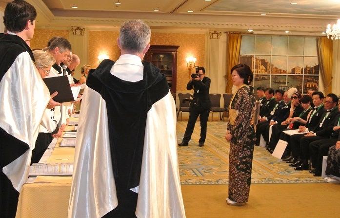 シャンパーニュ騎士団 第8回叙任式典 由美ママ名誉オフィシエ叙任