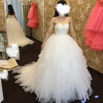 ウェディングドレスのアレンジのご紹介の記事に添付されている画像