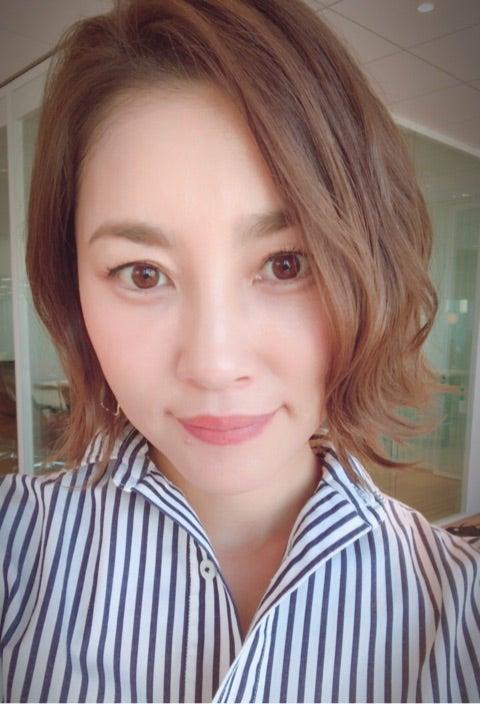 おしゃれな髪型の瀬戸朝香