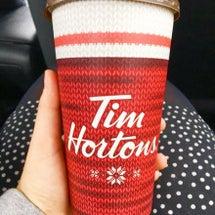 コーヒーカップが冬の…
