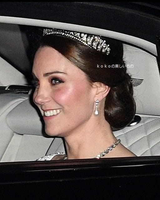 Paris-japon kokoの美しいもので美しくなるブログ^^英国王室メーガン妃 ハリー王子 2018年6月26日 女王のヤングリーダーズプログラムの表彰式英国王室ハリー王子 メーガンマークル レイチェル妃2018年3月Birminghamバーミンガム英国王室メーガン妃 ロイヤルアスコットデビュー2018年6月ジバンシィシャツスタイルドレス