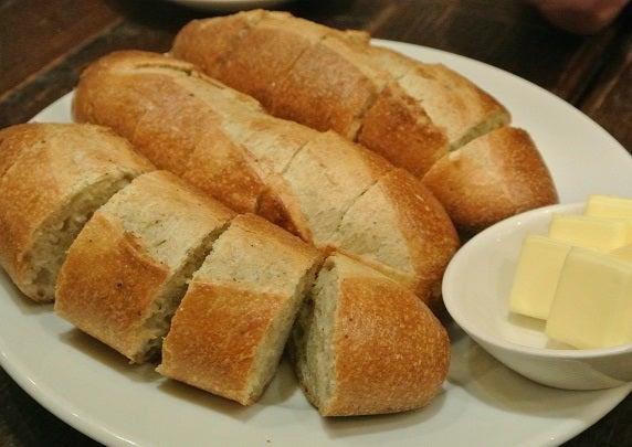 ゴッサムグリル 超人気パン屋VIRONのバケット