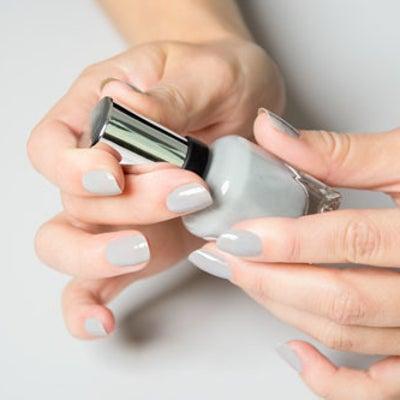 あなたにもできる!40代からの品のある爪の作り方7つのレッスンの記事に添付されている画像