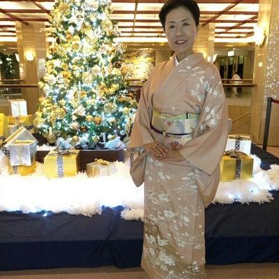 仕立ておろしのピンクの訪問着でクリスマスパーティへの記事に添付されている画像