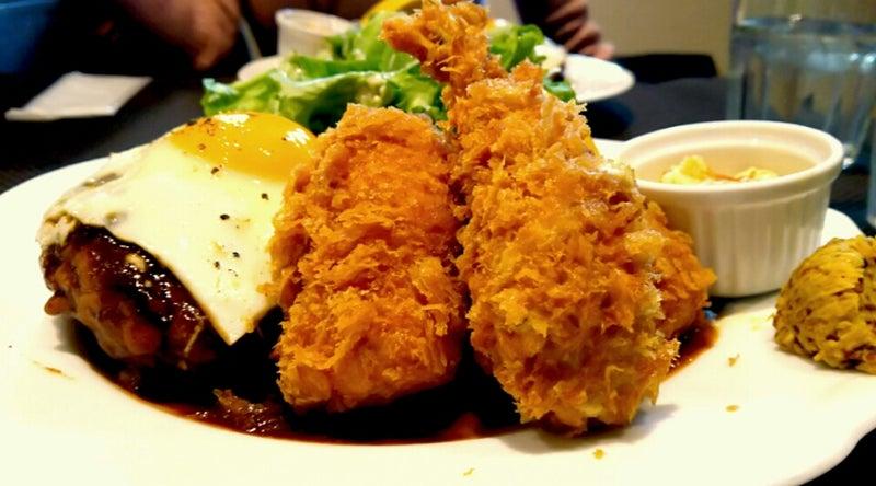 洋食 クアトロ