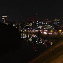 夜の皇居の周りを散策
