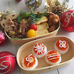 クリスマスオーナメント風の筋子おにぎり弁当~銀杏のかき揚げ入り♪~