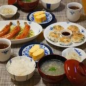 いろんな味のおかずが並ぶ食卓が理想です。