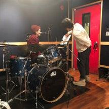 明日は横浜にてライブ