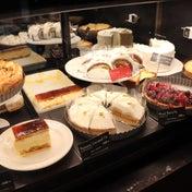 スタバ 3店舗限定のケーキを食べに