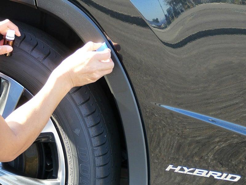樹脂部分の多いSUVに最適!フェンダーの樹脂モールの汚れを防ぎます