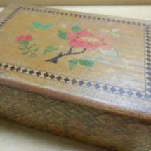寄木細工の秘密箱。