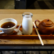 焦がしきび糖トーストと朝コーヒーミルク Sensing Touch of Earth