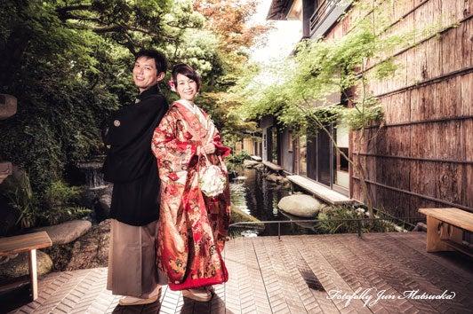 つきじ治作 ウエディングフォト 宴後ロケーションフォト色打掛玄関 ブライダルフォト 結婚写真
