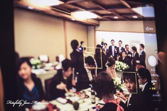 つきじ治作 ウエディングフォト 披露宴ゲストのカメラアップ ブライダルフォト 結婚写真