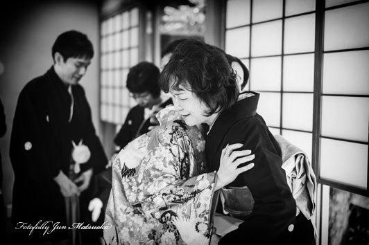 つきじ治作 ウエディングフォト 披露宴両親記念品贈呈感動シーン ブライダルフォト 結婚写真