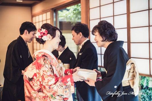 つきじ治作 ウエディングフォト 披露宴両親記念品贈呈 ブライダルフォト 結婚写真