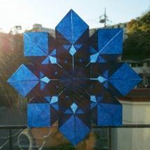 『窓辺の星に新年の願…