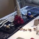 生徒さんの作品より 黒のガラス皿をクリスマスステージに。。の記事より