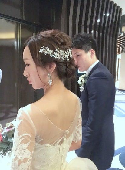 横浜ロイヤルパークホテル ウェディングドレス 出張ヘアメイク ミルフェリーチェ 花嫁写真