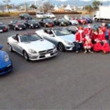 サンタでオープンカー…