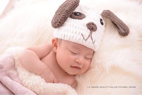 わんちゃんの衣装でかわいい赤ちゃん写真