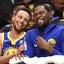 NBA:ステフィン・カリーがダンクし、ケビン・デュラントはチアリーダーに変身